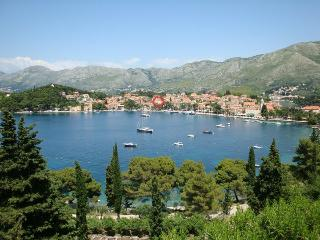APARTMENTS ETA - GREAT QUIET LOCATION IN OLD TOWN, Cavtat