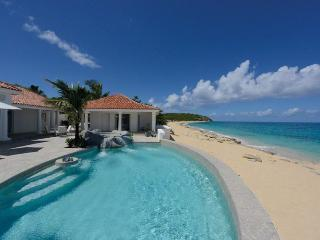 Carisa - 2 Bedroom - Beachfront, Cupecoy Bay