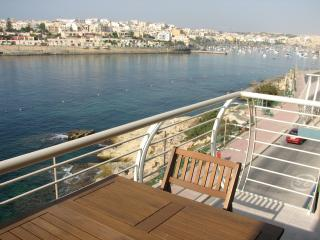 Sea Front Apartment Marsaskala, Marsascala