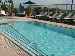 $199  2 BEDROOMS, POOL PRIVACY VIEWS ON SUNSET, Los Angeles