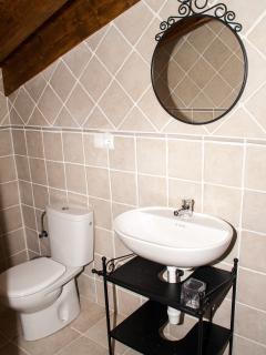 Baño habitación matrimonio buhardilla