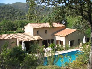 La Jassine Villa Pool And Tennis Court