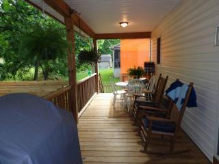 Mountain Creek Luxury Home W/ Hot Tub,wifi and HBO
