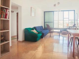 Big Comfy Jaffa Apartment