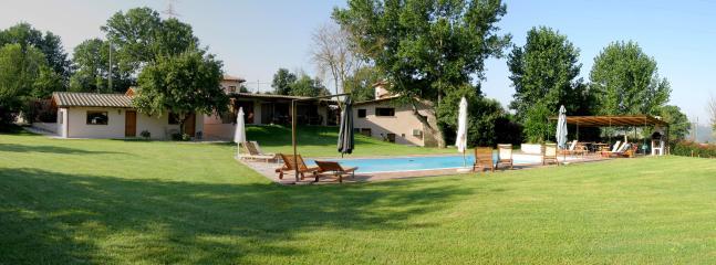 Panoramica dalla piscina
