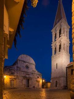 Stari Grad church square