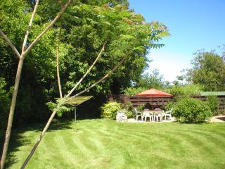 Jasmine Cottage Garden, private and fully enclosed