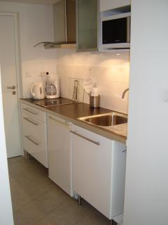 Kitchenette moderne et fonctionnelle