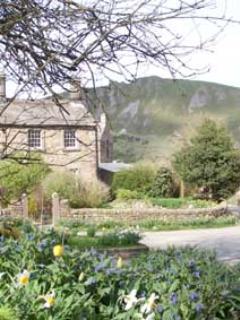 Exterior Vicarage Cottage