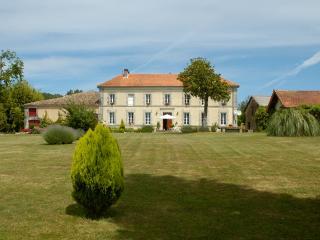 Le Logis de La Vaure, Brossac