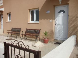 Front entrance & patio, great for BBQs and the afternoon sun.
