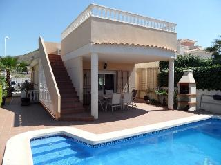 Casa Norma, 3 bedroom detached villa, with WIFI, Airco and private pool