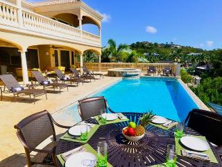Casa Coram Deo: Luxury Beach Front!