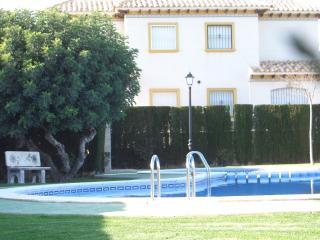 Sunny 3 bed  family size villa -very sunny spot!