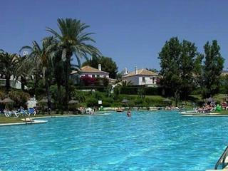 A Sunny Garden Apartment 2 Bed can sleep 6, Benamara