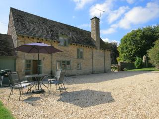 Colt Horse Cottage, peaceful, near a pub,Cotswolds, Northleach