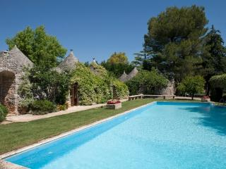 Trulli Country Golf: Luxury Trulli Complex w/ Pool, Gioia del Colle