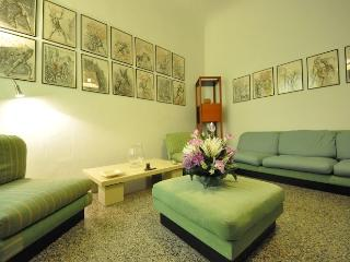 ERACLE - Lovely 4+2 flat in S.Lorenzo, Florence