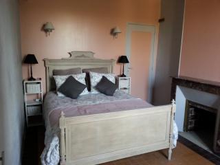 chambre rose 12 m² - 1 lit double