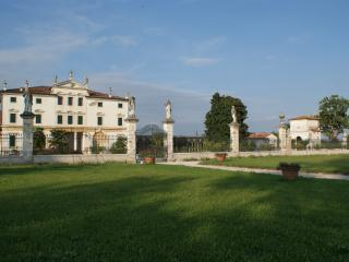 Villa Ghislanzoni - LIMONAIA, Vicenza