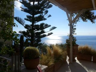 Cap de Nice...Pieds dans l'eau, Nizza