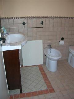 Bathroom. Big apt. on ground floor