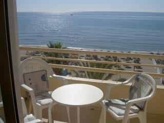 Beachfront Studio Apartment, Fuengirola