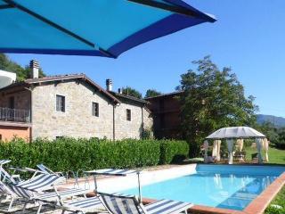 Farmhouse, beautiful terrace & views, pool, WIFI.., Camporgiano