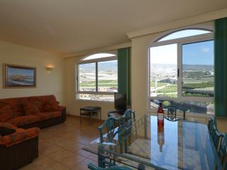 The Views is a Luxury Apartment with Free Wi-Fi, Playa San Juan