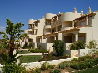 No 7 plot 33, Carvoeiro