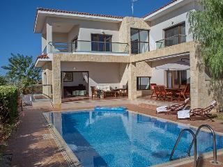 Koumasia Sunrise Luxury Villa, Peyia