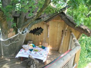 Cabane Perchée des Cartes, Mayenne