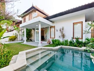 Villa Bella with  tropical garden and splashpool, Sanur