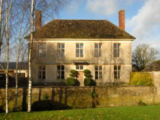 Yew Tree Farmhouse, Lechlade on Thames.