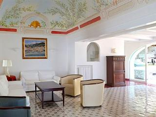 Amalfi Villa Sleeps 24 with Pool and Air Con - 5228907