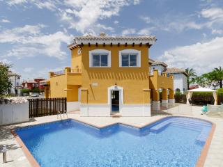 Luxury Villa, Large Heated Pool with Integrated Jacuzzi