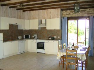 Wisteria Barn fully equipped kitchen