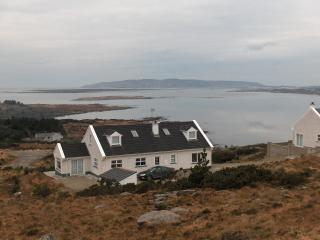 Sea View overlooking Dungloe Bay/Arranmore Island