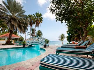 Estate on a beautiful beachfront location with swaying palms and white sand - Caribbean Heaven, Willemstad