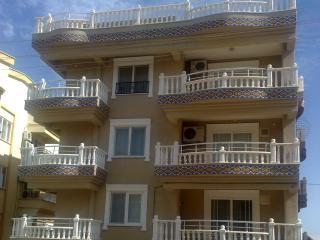 bertan penthouse apartment, Altinkum