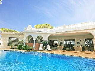1500 - 6 bed villa with private pool, Benamara, San Pedro