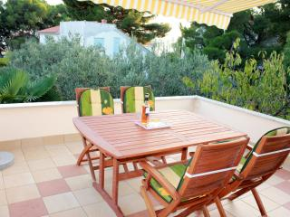 Spacious apartment by the sea, Sibenik