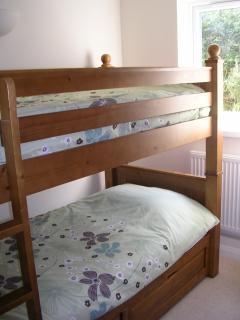 Bunk-beds in 2nd bedroom