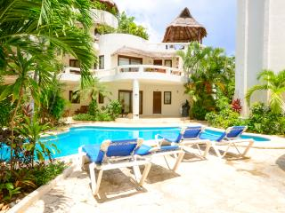 Blue Palms, 3 interconnected suites near the beach, Playa del Carmen