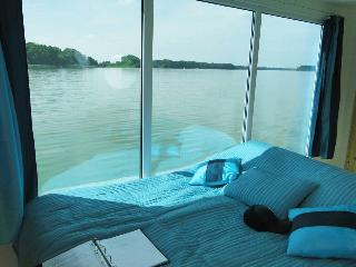 Romantisches Hausboot Seesuite m. Panoramafenster, Lindow