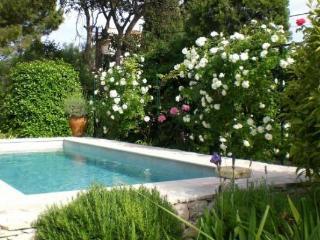 Picciola merveilleux 4 Bedroom Villa avec piscine, Cannes