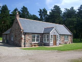 Capo Cottages - Rowan Cottage, Laurencekirk