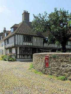 The cobbled streets of ancient Rye are just 3 miles away across the marshes from Marsh View Cottage