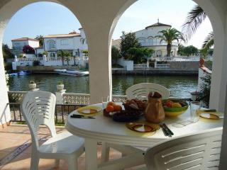 House With Mooring And Garden - HUTG-011093, Empuriabrava
