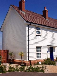 Marsh View Cottage, Camber Sands backs directly onto the SSSI protected marshes